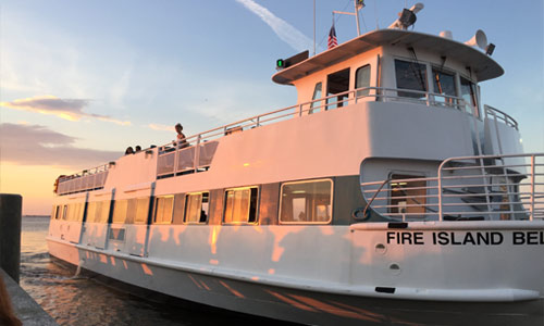 Fire-Island-Ferry-Docking